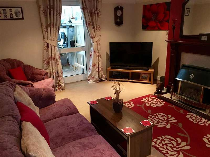 3 Bedrooms Semi Detached House for sale in Wallerscote Road, Weaverham