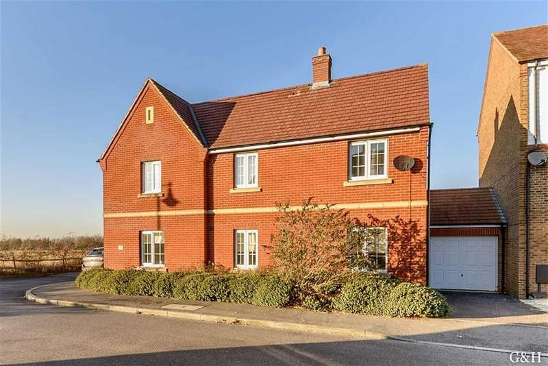 4 Bedrooms Detached House for sale in Pearmain Way, Ashford, Kent