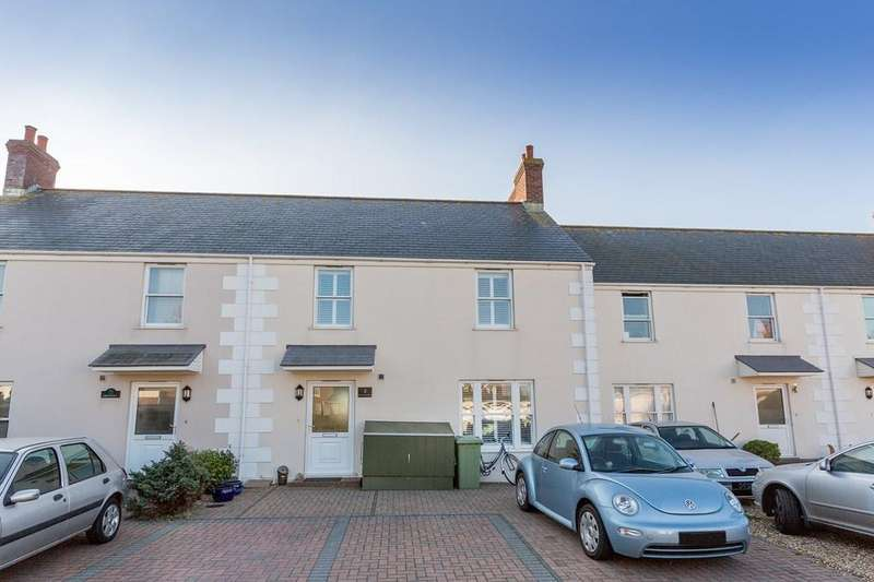 3 Bedrooms Terraced House for sale in Victoria Avenue, St. Sampson, Guernsey