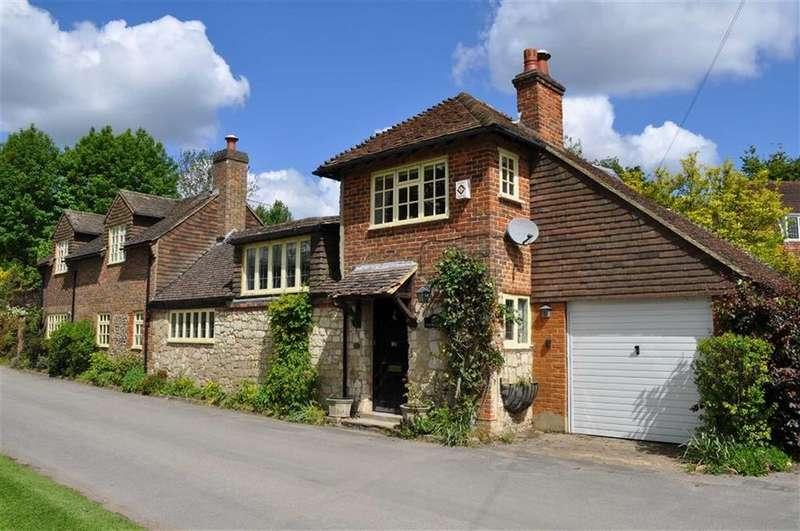 2 Bedrooms Detached House for sale in Old Park Lane, Farnham, Surrey
