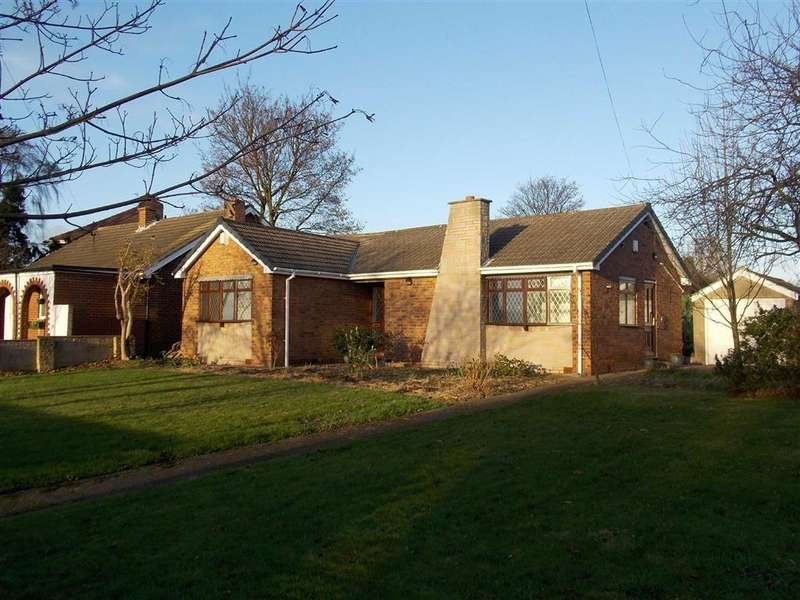 3 Bedrooms Detached Bungalow for sale in Brier Lane, Havercroft, WAKEFIELD, WF4