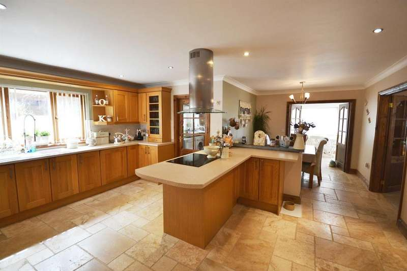 6 Bedrooms Detached House for sale in Adams Road, Monkton, Pembroke