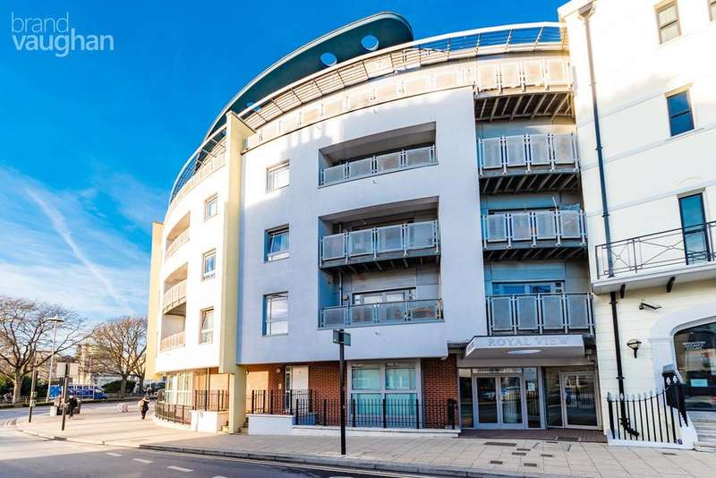 3 Bedrooms Apartment Flat for sale in Grand Parade, BRIGHTON, BN2