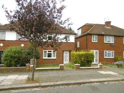 3 Bedrooms Semi Detached House for sale in Hedgerley Gardens, Greenford