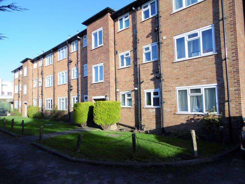 2 Bedrooms Flat for sale in Wyndham Court, Boston Road, Hanwell