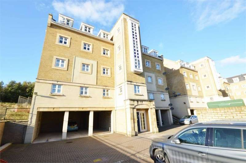 1 Bedroom Flat for sale in Sandpiper Close, Waterstone Park, Greenhithe