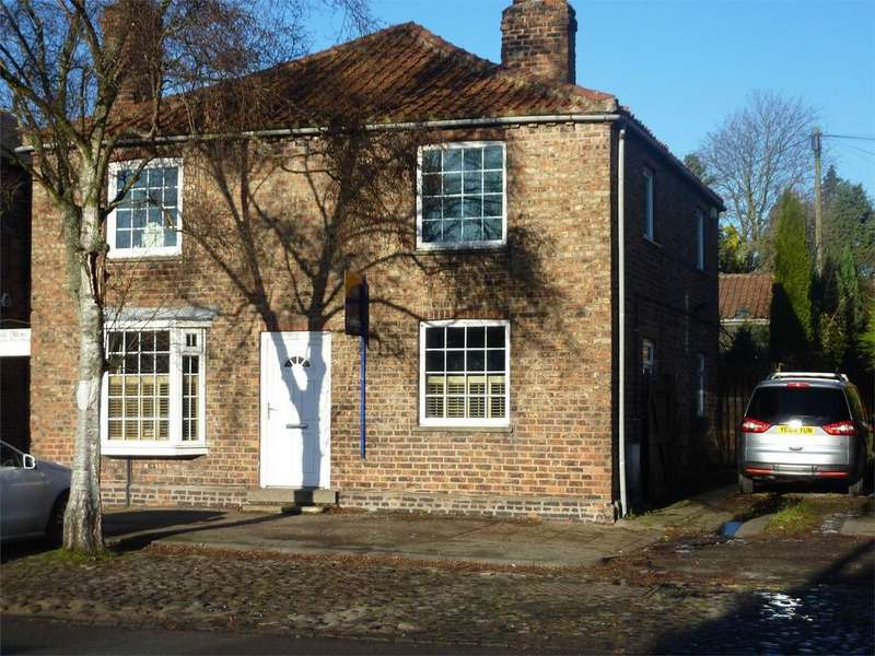 4 Bedrooms Detached House for sale in Front Street, Acomb, York