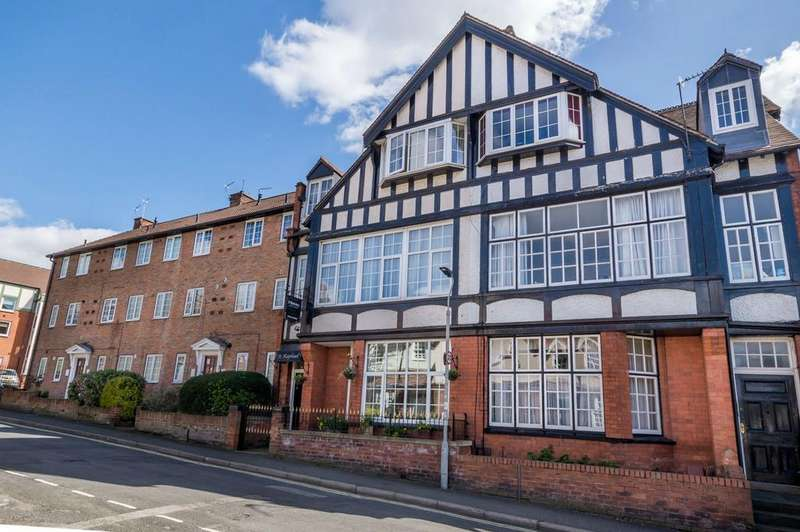 7 Bedrooms Semi Detached House for sale in Queen Annes Road, Bootham