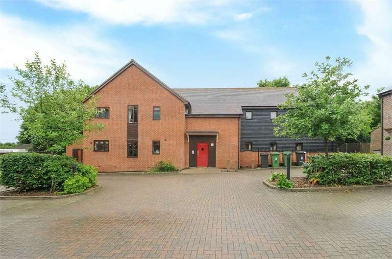 1 Bedroom Flat for sale in La Frenaye Place, South Wonston, Winchester, Hampshire