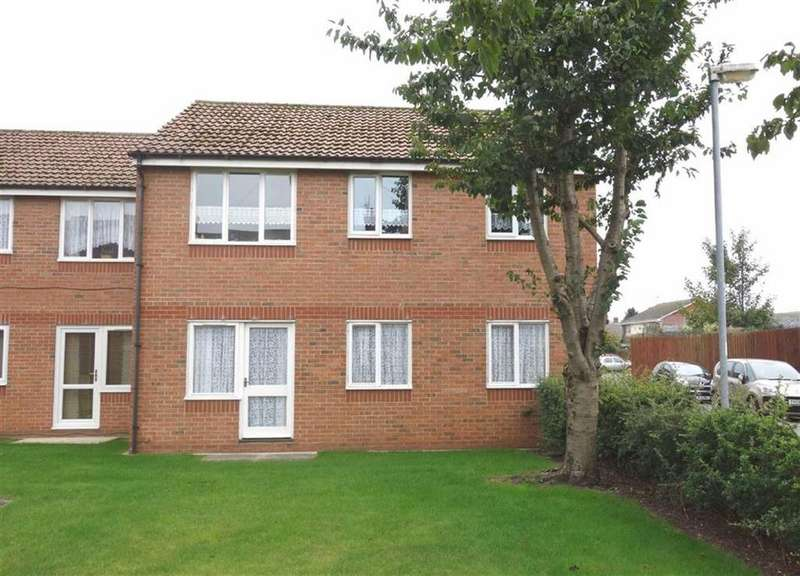 2 Bedrooms Apartment Flat for sale in Burlington Gardens, Bridlington, East Yorkshire