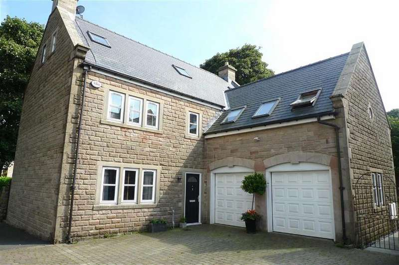5 Bedrooms Detached House for sale in Burbage Way, Buxton, Derbyshire