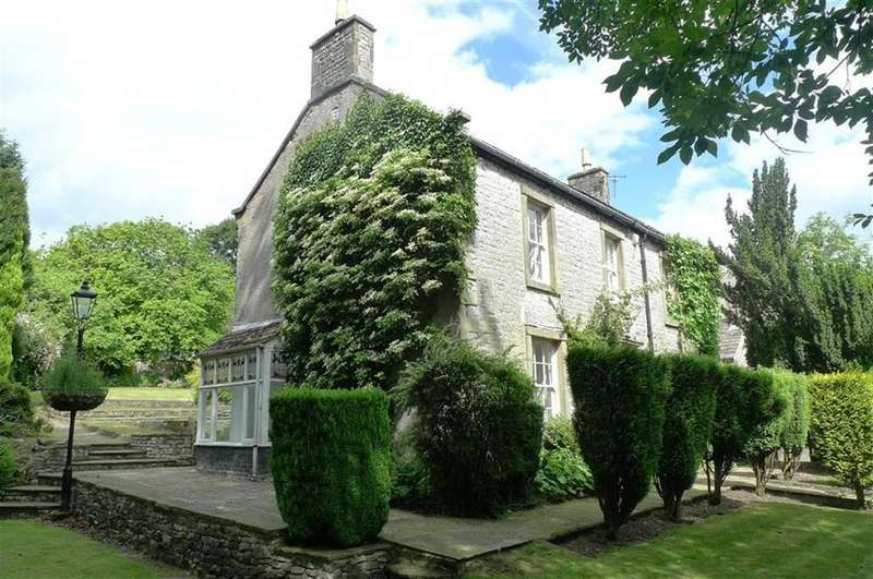 4 Bedrooms Detached House for sale in Sherwood Road, Tideswell, Derbyshire