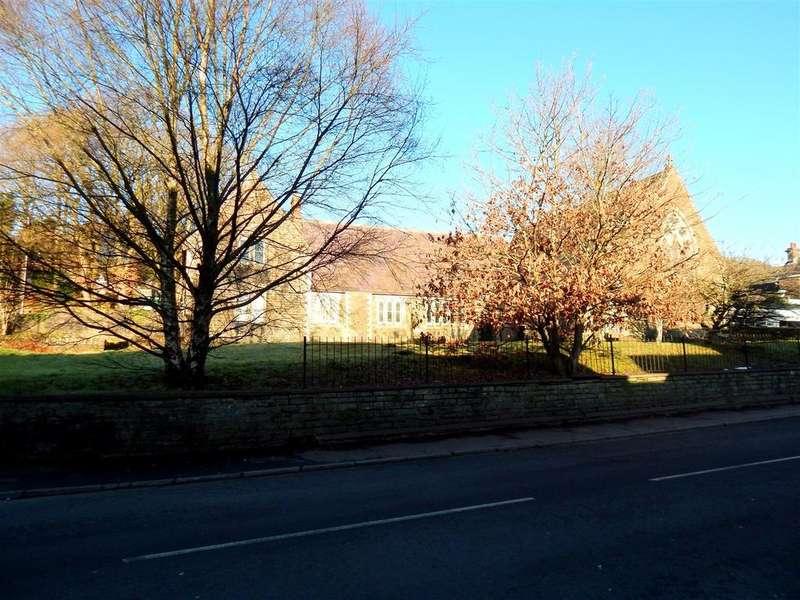 3 Bedrooms Town House for sale in The Old School Room, High Street, Pontardawe, Swansea