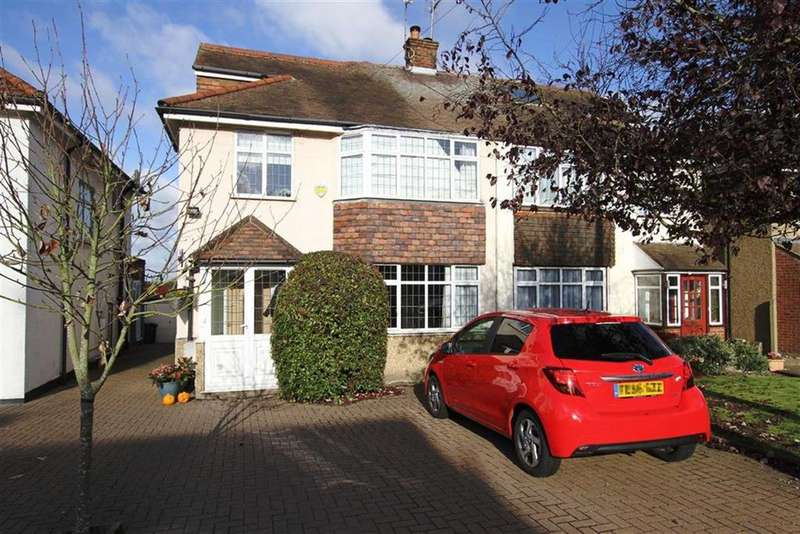 4 Bedrooms Semi Detached House for sale in Old Fold View, Barnet, Herts, EN5