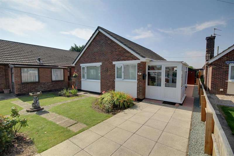 2 Bedrooms Detached Bungalow for sale in 11 The Fairway, Mablethorpe