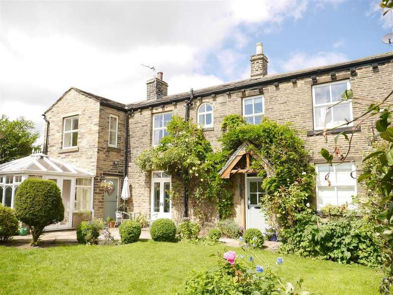 4 Bedrooms Detached House for sale in Tong Lane, Tong Village, Nr Leeds