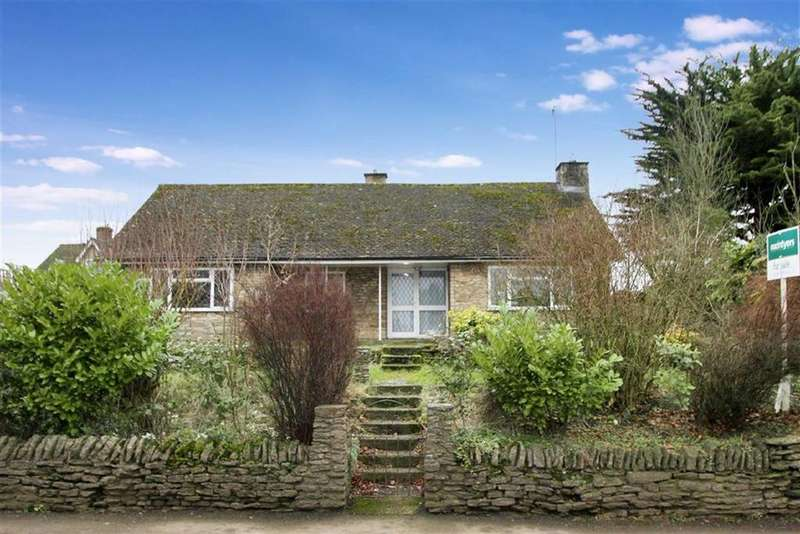 3 Bedrooms Bungalow for sale in Cherry Blossom Cottage, Main Road, Main Road, Farthinghoe