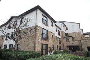 2 Bedrooms Flat for sale in Priory Court, Priory Road, Dartford, Kent