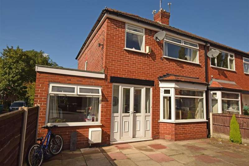 3 Bedrooms Semi Detached House for sale in Parkfield Drive, Middleton, Manchester