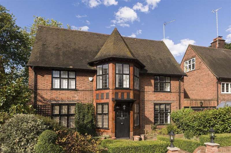 6 Bedrooms Detached House for sale in Turners Wood, NW11