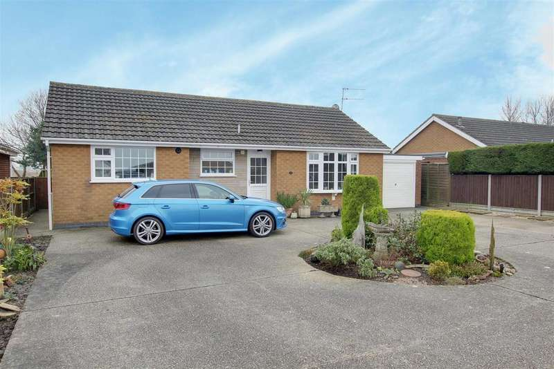 3 Bedrooms Detached Bungalow for sale in 37 Crabtree Lane, Sutton On Sea