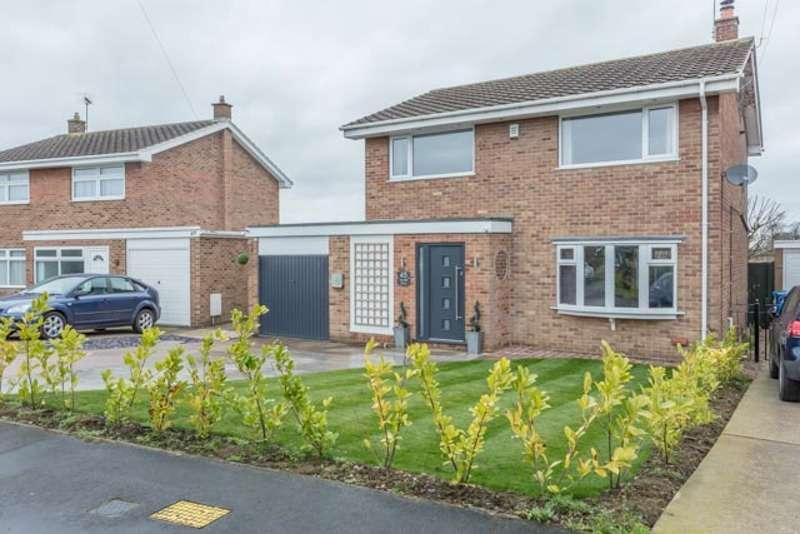 4 Bedrooms Detached House for sale in Arundel Drive, Retford, Nottinghamshire, DN22