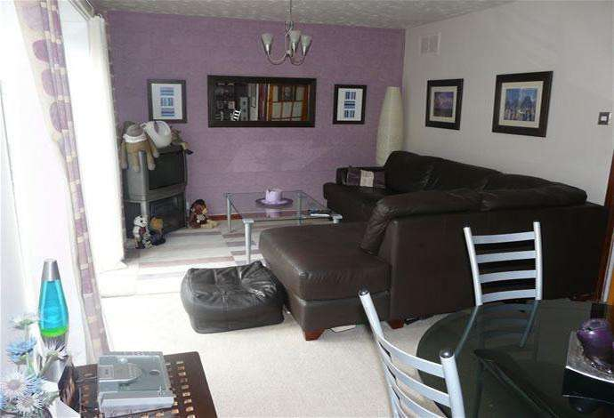 3 Bedrooms Flat for sale in 29 Croft Street, Galashiels, TD1 3BH