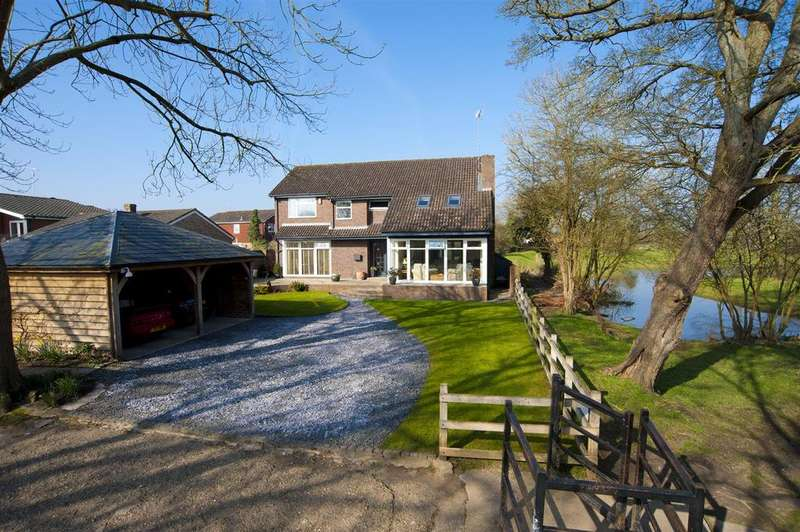 4 Bedrooms Detached House for sale in River Gardens, Purley On Thames, Reading