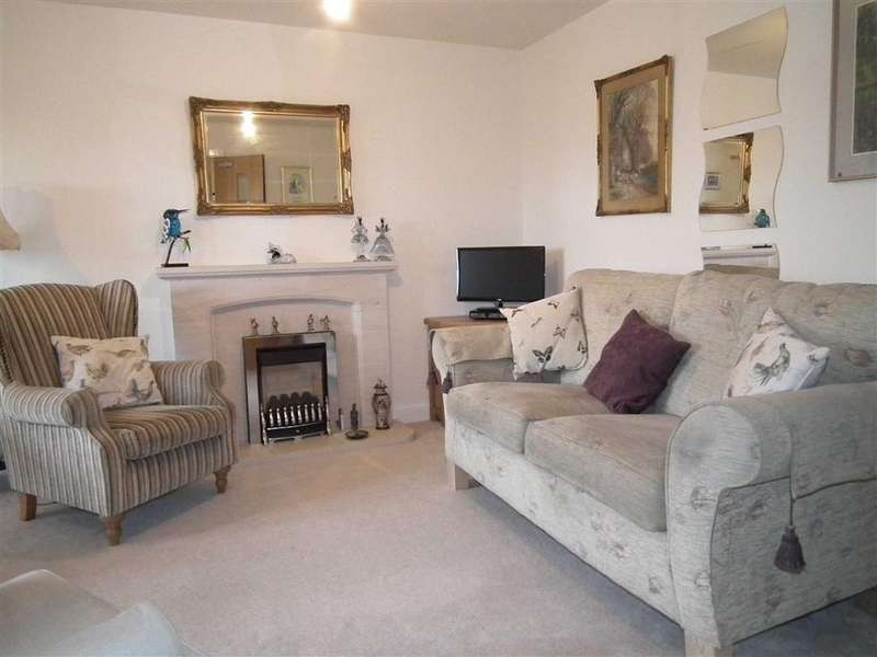 2 Bedrooms Apartment Flat for sale in Clough Springs, Barrowford, Lancashire