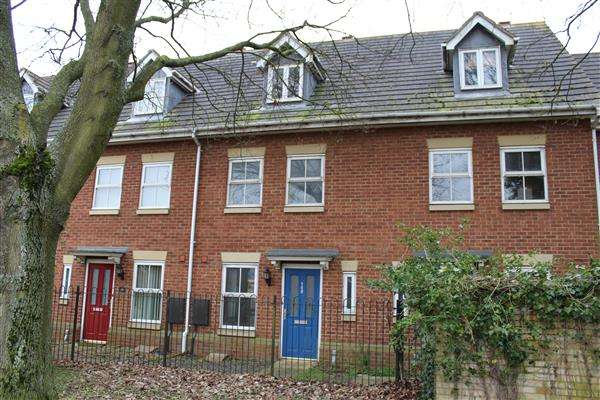 3 Bedrooms Town House for sale in Wolverton, Milton Keynes