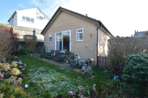 2 Bedrooms Detached Bungalow for sale in High Street, Honiton, Devon