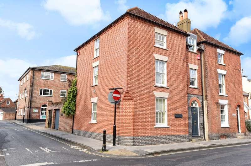 3 Bedrooms Semi Detached House for sale in Saint John's Street, Chichester, PO19
