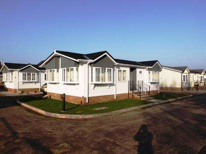 2 Bedrooms Bungalow for sale in Attleborough, Norfolk