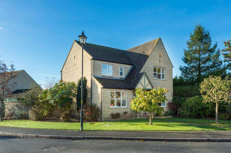 4 Bedrooms Detached House for sale in Windmill Heights, North Leigh, Witney, Oxfordshire