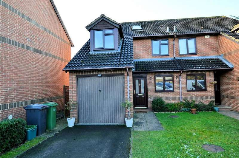 4 Bedrooms Semi Detached House for sale in Derrick Close, Calcot, Reading