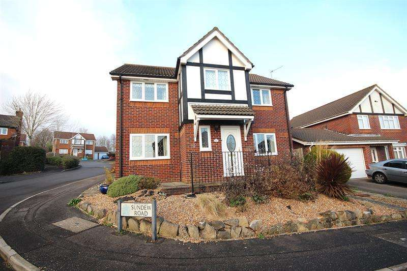 4 Bedrooms Detached House for sale in Sundew Road, Broadstone