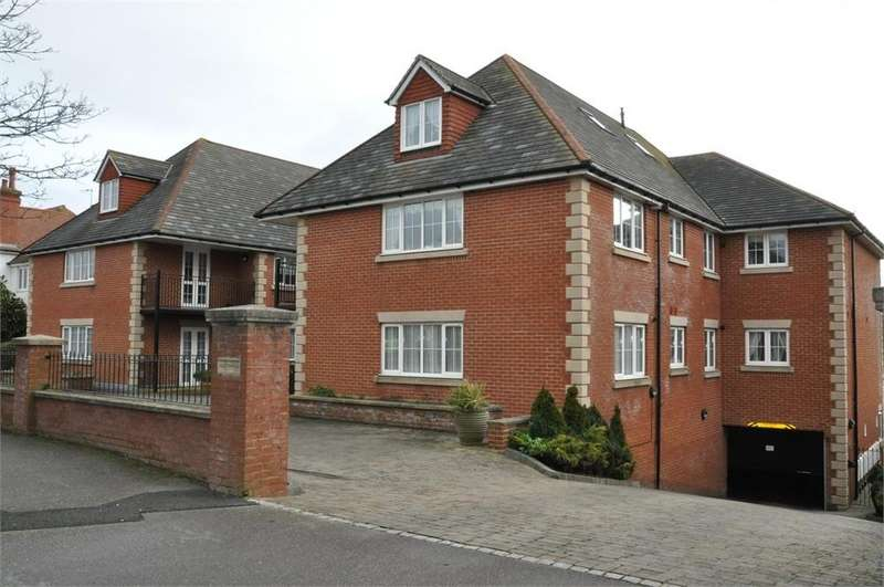 2 Bedrooms Flat for sale in 17-19 Cooden Drive, Bexhill-on-Sea