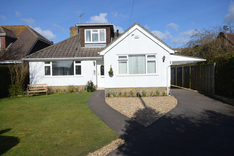 3 Bedrooms Chalet House for sale in Heath Road, Hordle