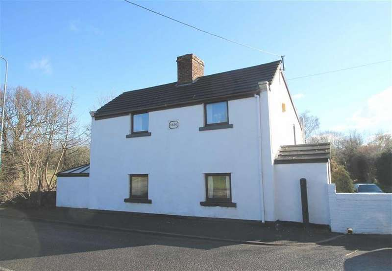 3 Bedrooms Detached House for sale in Old Mold Road, Stansty, Wrexham
