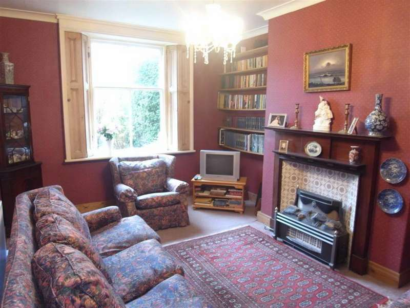 3 Bedrooms Terraced House for sale in West Crescent, Darlington