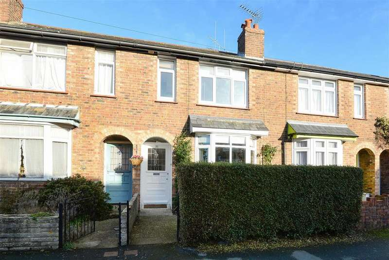 3 Bedrooms Terraced House for sale in Cambrai Avenue, Chichester