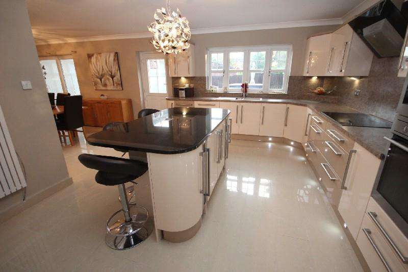5 Bedrooms Detached House for sale in Brinkburn Court, Hartlepool