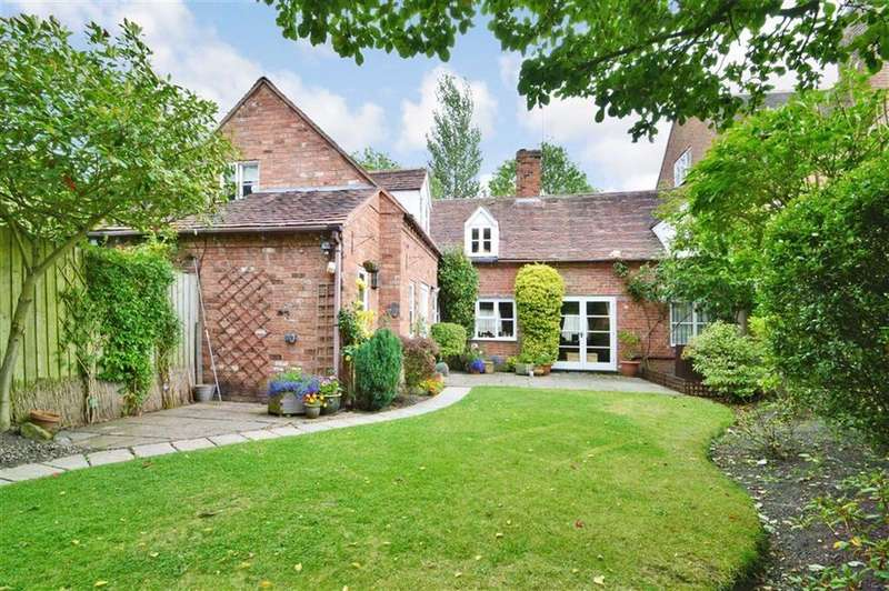 3 Bedrooms Country House Character Property for sale in Canal Cottage, Church Road, Uffington, SY4