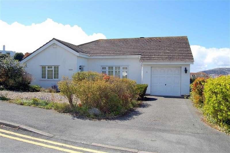 2 Bedrooms Detached Bungalow for sale in Ael Y Bryn, Craigside, Llandudno, Conwy