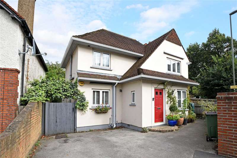 3 Bedrooms Detached House for sale in Monument Hill, Weybridge, Surrey, KT13