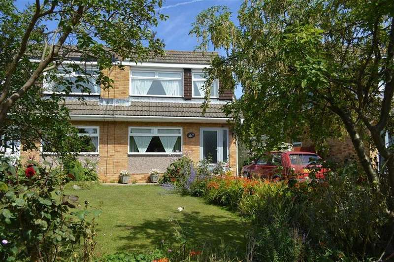 3 Bedrooms Semi Detached House for sale in Rossendale Close, Noctorum, CH43