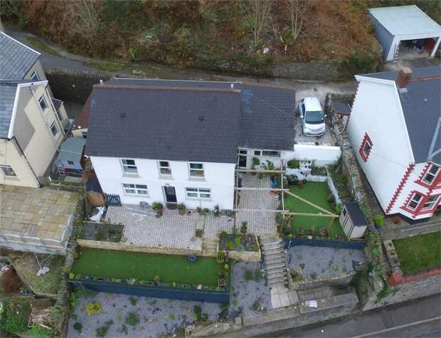 3 Bedrooms Detached House for sale in Glyn Street, Ogmore Vale, Bridgend, Mid Glamorgan