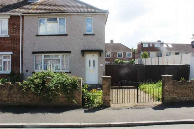 3 Bedrooms End Of Terrace House for sale in New Close, London
