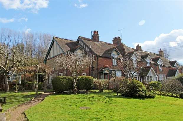 4 Bedrooms Cottage House for sale in Highsted Valley, Rodmersham, Sittingbourne, Kent