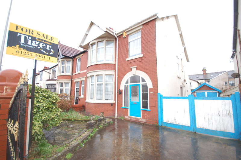 4 Bedrooms Semi Detached House for sale in Rosebery Avenue, Blackpool